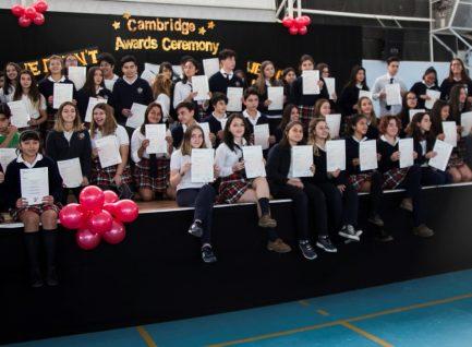Alumnos del Colegio recibieron certificados de los exámenes Cambridge