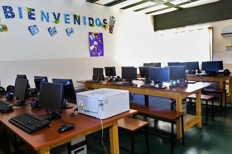 Gimnasios de Primaria y Secundaria (Panonia)
